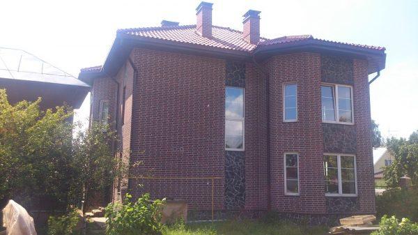 Feldhaus Klinker R335 carmesi antic mana